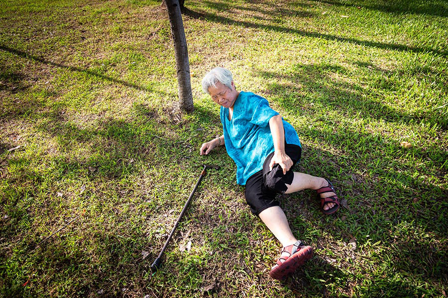 Fall Prevention Tips For Senior Home Caregivers